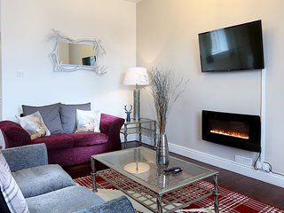 Deluxe 2 Bedroom Service Apartments ( Sleeps 6 )