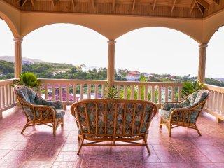 Palmers Luxury Retreat | 10 mins drive from MBJ