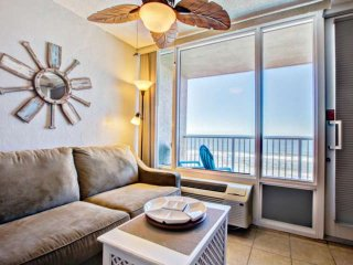 NEW! Direct Ocean-Front Unit, Private-Balcony, Great Views, New Coastal Furnishi