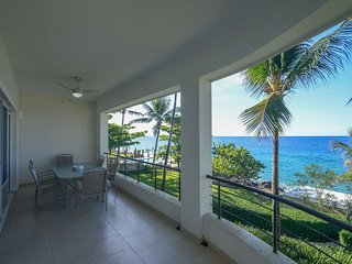2 bedroom luxury beachfront apartment A 2a