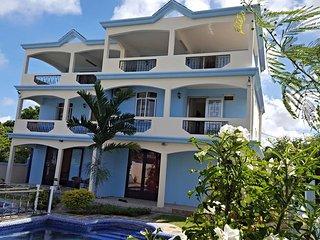 Villa Emax