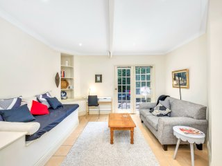 Large 1-bed ground floor apartment in Kirribilli