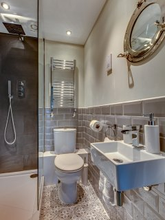 Master Suite en-suite shower room