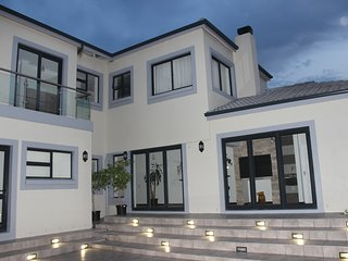 Beautiful home near Cape Winelands