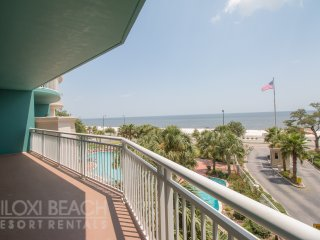 Legacy Towers Condo w/ Private Balcony, Access to 3 Resort Pools & More