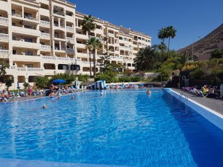 Apartment Castle Harbour only 700 meters to the sea, heated pool, wifi, balcony