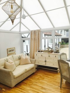 Breakfast conservatory, The Pear Tree Pensione