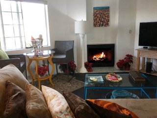6-Days Rose Parade Adjacent 3BR Condo w Mountain Views For Rent New-Years 2017