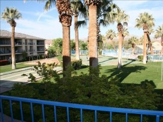 Beautiful Las Palmas Condo in Ideal Location