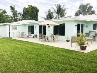 Renovated 2BR Deerfield Home w/ Lush Private Yard -- 5 Minute Walk to Beach