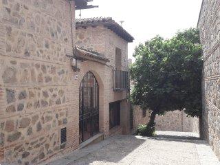CASA DE BISAGRA. Casa completa: Casco Historico. Facil acceso y aparcamiento.
