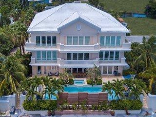 'Mayfair Estate' - a Luxury Cayman Villa property