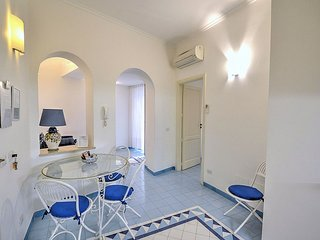 Amalfi Villa Sleeps 3 with Air Con - 5228471