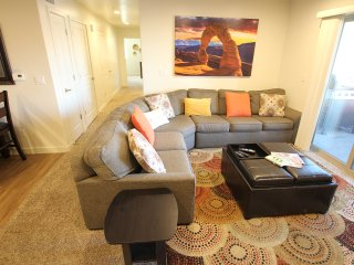 Redcliff 6A ~ Highly desirable, ground-floor condo