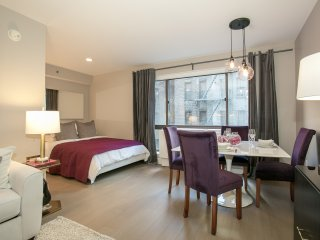 Contemporary Studio by Times Square with 24hr Doorman, Gym, Terrace