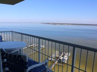 12D- Incredible Views - Water, Water, Water