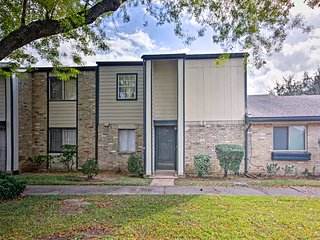 NEW! Cozy 2BR Townhouse Near Houston's Chinatown!
