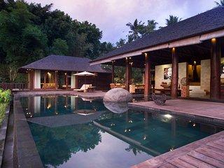 Natural Enviroment 5 Bedroom Villa in Ubud;