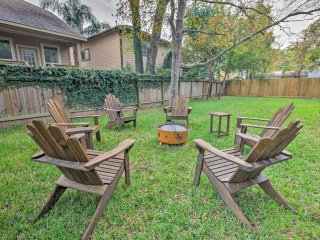 NEW! 3BR Kemah Clear Lake Home w/Porch & Fire Pit!