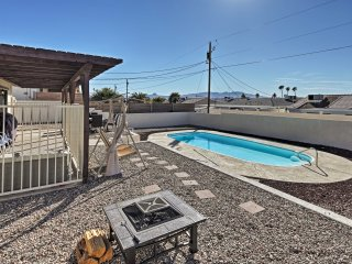 NEW! Ideally Located 3BR Lake Havasu House w/Pool