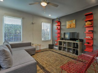 Modern San Antonio Condo - Walk to the Alamodome!