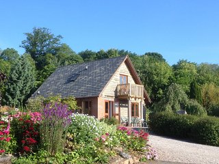 CC099 Log Cabin in Clifton-on-