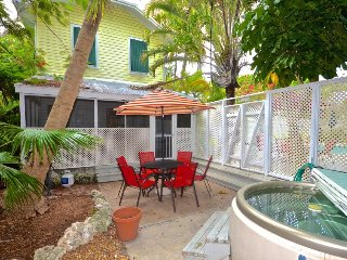 Dog-friendly beachside retreat with shared pool close to Duval St.