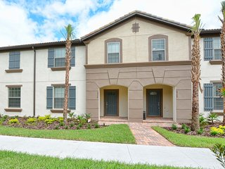 Westside Resort - 5BD/4.5BA Town House - Sleeps 12 - Platinum