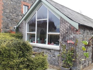 Beautiful Irish stone cottage close to Carlingford, Greenore, and Lily Finnegans