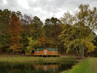 Hocking Hills area-Newly built cabin on breathtaking country setting!