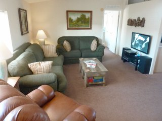 Clean, tranquil 3-bedroom Goldfield house