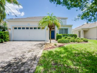 Beautiful 5 Bedroom Pool Home With Private Pool