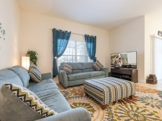 Cozy 4 Bedrooms villa at Storey Lake