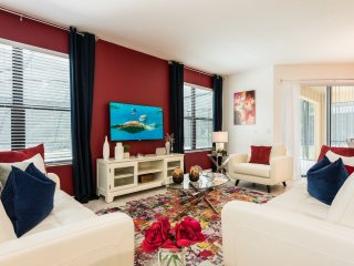 Amazing 4 bedroom suites, 10 min from Disney