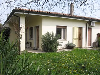 Villa Big Garden Ideal for Families - Great Location - Beach Place Included