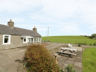 3 KIRMINNOCH COTTAGES, wood burner, countryside, pet friendly, in Stranraer, Ref