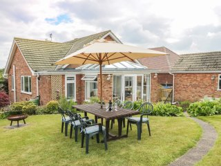 SKY VIEW, ground floor, easy access to amenities, in Bridlington, Ref 961238