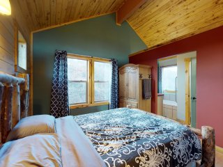 Cabin #2 Stunning View from a One bed. Cabin in the Trees