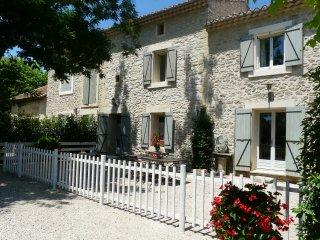 LS2-109 TENAMEN, Provencal farmhouse with private swimming pool, in Les Vigneres