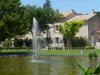 LS2-109 TENAMEN, Provencal farmhouse with private swimming pool, in Les Vignères