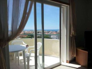 2 bedrooms apartment close to beach and the Strip