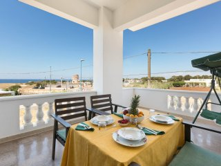 928 Seafront house for rent in Torre Suda
