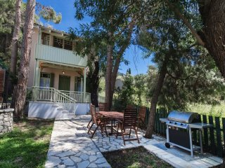 Beautiful villa with private pool, just 50 meters away from the sea