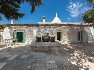 200 Trullo in the Country in Ostuni