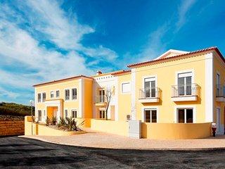 Villa J - Silver Coast Residence