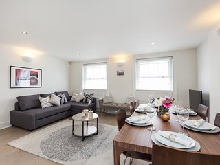 Very central and newly refurbished two bedroom family apartment