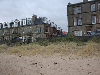 At The Beach, charming seaside holiday apartment in North Berwick, East Lothian