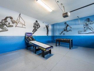 EC185- Encore Club 8 Bedroom Pool Home