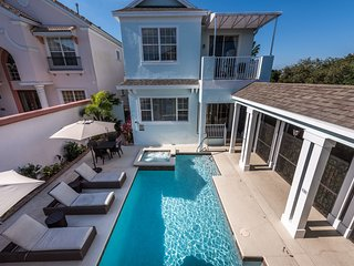 W286 - 4 Bedroom Luxury Villa Near Reunion Grand