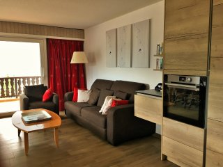 Sunny apartment in central Champery - Portes du Soleil